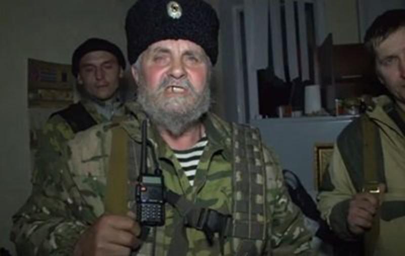 1397921414_luganskie-separatisty-zhdut-referenduma-nikto-pokidat-zdanie-sbu-ne-sobiraetsja