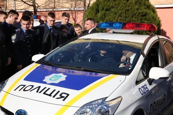 559cd4628ed7b_Politsiya-patrulnaya_mashina(3)