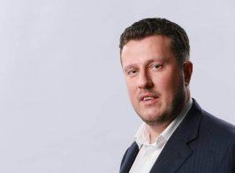 Подорваны основы парламентаризма в Украине. Нардеп выгнал журналиста из страны