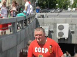 Георгиевские ленты, футболка СССР и потасовки с любителями «русского мира». Как прошло 9 мая в Киеве