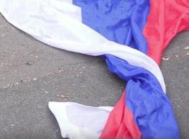 Выборы в Госдуму в киевском посольстве превратились в очередной театр для российского ТВ
