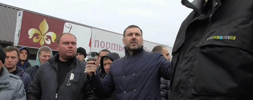 Киевские предприниматели восстали против сноса рынка: «Берем арматуру и биты»