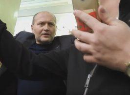 Глава ВСК по нападению на активистов угрожает журналисту в зале ВР (видео)