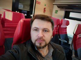 Журналист Роман Реведжук обратился к общественности в связи с вынужденным выездом из страны