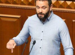 Экс-коллеги Дубинского обвинили его в коррупции и продаже мест в списке на будущих выборах