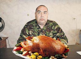 Глава ЛНР запретил изымать внутренние органы у курицы перед продажей