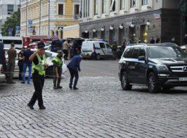 Мужчина захвативший банк в центре столицы захотел выйти в эфир на каналах Медведчука(трансляция)